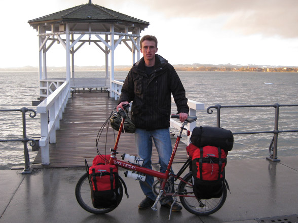 touring bicycle that folds and is small