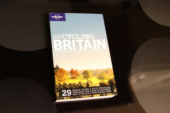 Book about bicycling in Britain - by Lonely Planet