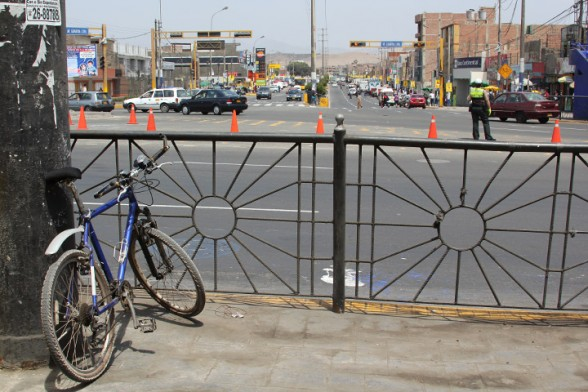 riding a bicycle in lima peru
