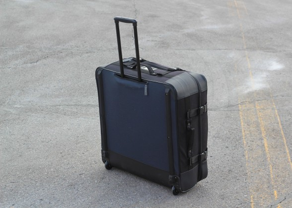 handle and wheels on Co-Pilot case