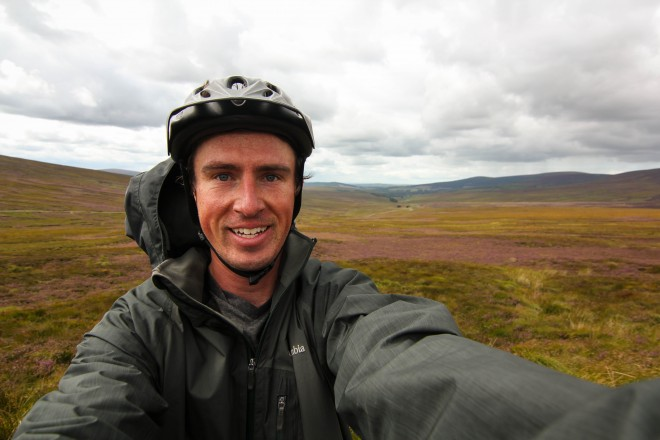 Darren Alff windy Ireland bike tour selfie