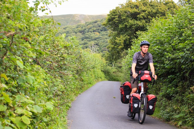 Narrow roads for bike touring in Wales