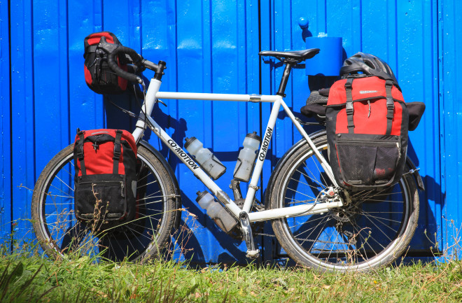 blue-red-white-co-motion-touring-bicycle