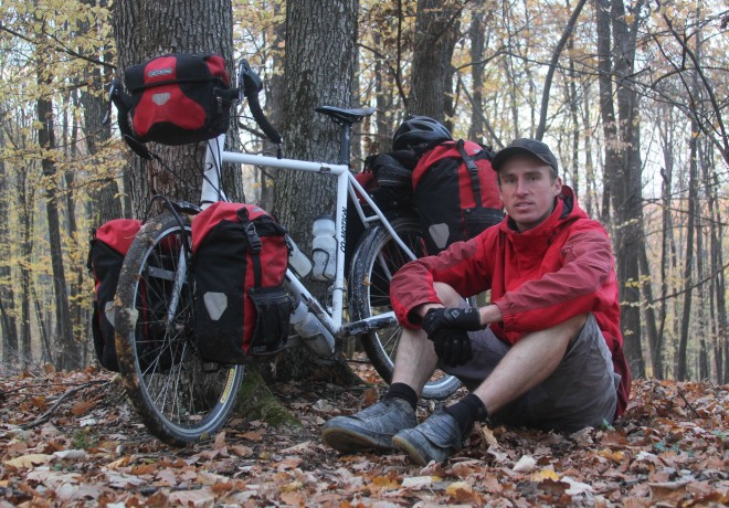 darren-alff-is-the-bicycle-touring-pro-dressed-in-red-romania