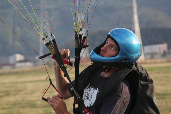 learn-to-fly-paraglider