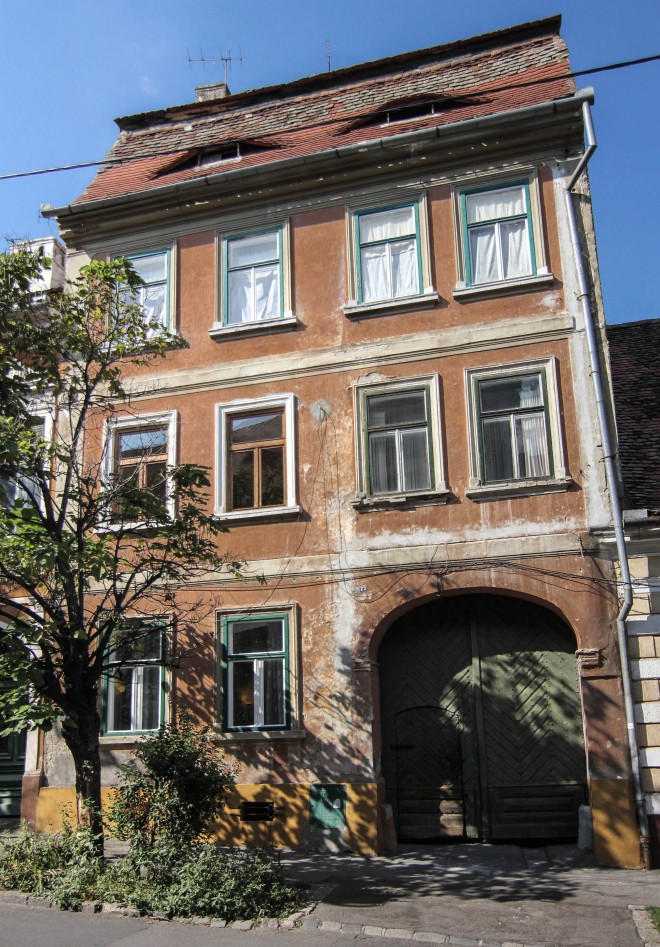 airbnb apartment rental in sibiu, romania