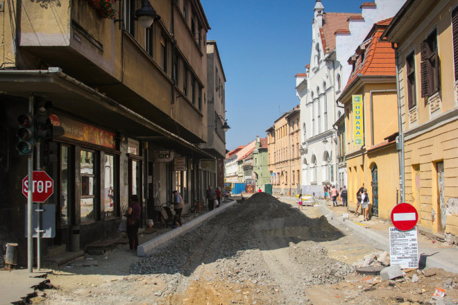 sibiu street construction and people working