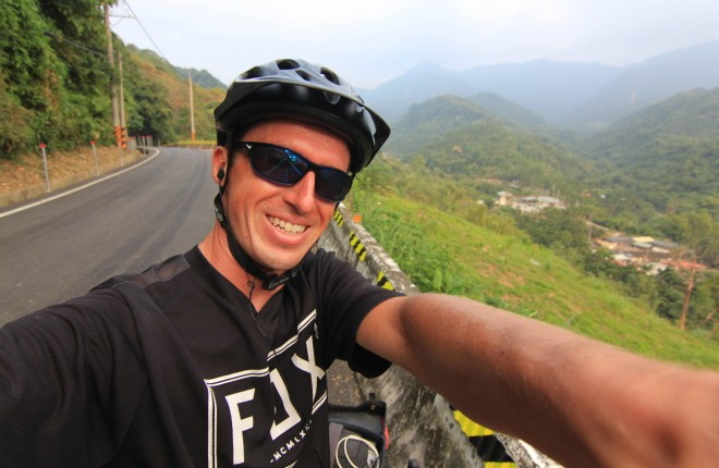 Darren Alff fox racing selfie from taiwan