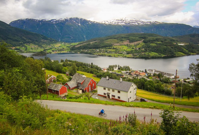 hardangerfjord norway in a nutshell bike tour