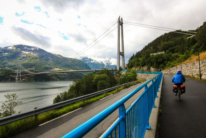 hardangerfjord bridge bicycle path