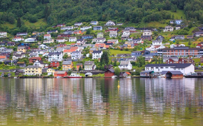 hardangerfjord norway in a nutshell colorful villages