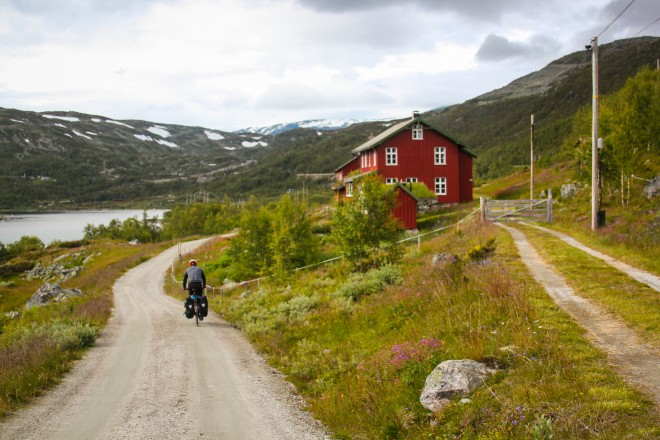 biking across norway on the Rallarvegen